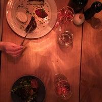 Photo prise au MINE restaurant / WINE bar par Emma B. le9/15/2018