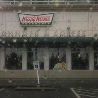Das Foto wurde bei Krispy Kreme Doughnuts von .::¦BigBodyBenz¦::. am 5/23/2013 aufgenommen