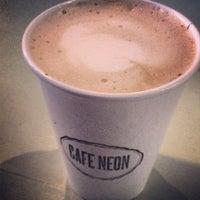 Снимок сделан в Cafe Neon пользователем Jessica M. 1/6/2014