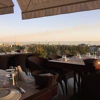 Foto diambil di Shababik Restaurant oleh Tareq Q. pada 7/23/2015