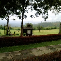 Foto diambil di Tor Sibohi Nauli Hotel Sipirok oleh Ranita K. pada 10/2/2014