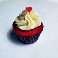 10/26/2012에 Fernando D.님이 FairyLand Cupcakes에서 찍은 사진