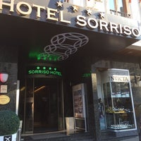 10/8/2013 tarihinde Adam F.ziyaretçi tarafından Hotel Sorriso'de çekilen fotoğraf