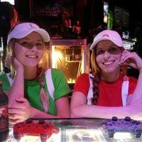 Das Foto wurde bei Player 1 Video Game Bar von Player 1 Video Game Bar am 11/7/2013 aufgenommen