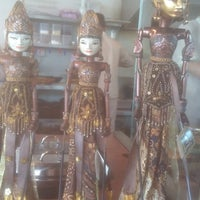 Photo prise au SAMBARA Sajian Sunda Grage City Mall Cirebon par Diana R. le7/10/2016