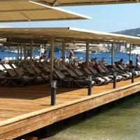 Das Foto wurde bei Marisol Boutique Hotel & Beach von Serkan Ö. am 8/18/2013 aufgenommen