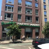 Foto scattata a Brooklyn Harvest Market da Ale S. il 7/4/2019