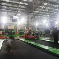 Foto tirada no(a) Jump Mania por Renan S. em 8/8/2014