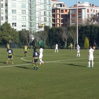 Foto tirada no(a) Fenerbahce Spor Okulları por Melek D. em 12/24/2013