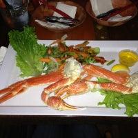 Foto diambil di King Crab Tavern & Seafood Grill oleh MERCEDEZ G. pada 12/5/2012