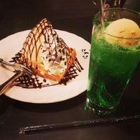 12/14/2014 tarihinde KazHziyaretçi tarafından 珈琲屋らんぷ 鈴鹿店'de çekilen fotoğraf