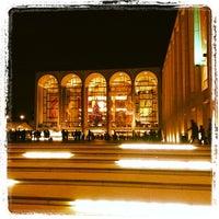 Foto scattata a Metropolitan Opera da @HungryEditor B. il 12/16/2012