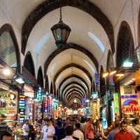Das Foto wurde bei Mısır Çarşısı von tschi am 6/29/2013 aufgenommen
