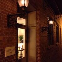Foto diambil di Fulton Lane Inn oleh Sohail K. pada 11/6/2013