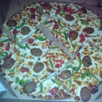 10/11/2013にAnna A.がDomino's Pizzaで撮った写真