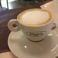 Foto tirada no(a) Fran's Café por Bruno C. em 4/8/2013