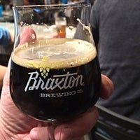 Photo prise au Braxton Brewing Company par Chris H. le4/12/2015