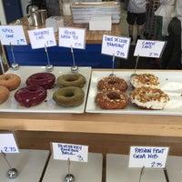 Снимок сделан в Blue Star Donuts пользователем Christian M. 5/31/2015
