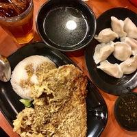 Снимок сделан в Tasty Dumplings пользователем Grazey D. 1/28/2017