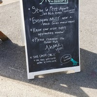 Foto diambil di Sweet Melissa's Ice Cream Shop oleh Ydnam pada 5/16/2020