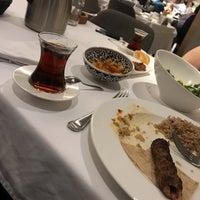 Foto scattata a Seraf Restaurant da Zafer I. il 5/8/2019
