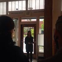 5/9/2014にLara P.がPhotographic Center Northwestで撮った写真