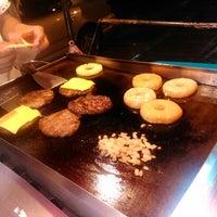Foto diambil di Huangus Burger oleh Juan L. pada 5/1/2014
