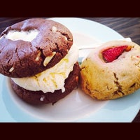 Foto diambil di Milk Jar Cookies oleh Allison H. pada 7/5/2014