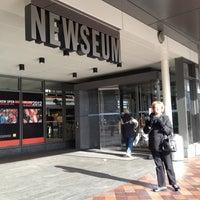 Foto tomada en Newseum por Amy P. el 12/23/2012