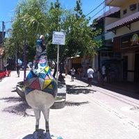 Foto tirada no(a) Calçadão de Porto de Galinhas por Carlos Generoso em 10/31/2013