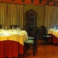 Foto scattata a Restaurant L'Antic Molí da Josep J. il 4/13/2013
