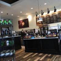 Das Foto wurde bei Peet's Coffee & Tea von Don P. am 5/7/2017 aufgenommen