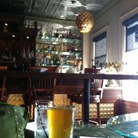 Das Foto wurde bei The Tin Lizzie Lounge von Susan G. am 5/4/2013 aufgenommen