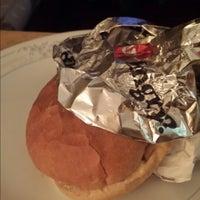 Foto diambil di Union Burger oleh Sajeevan E. pada 10/28/2013