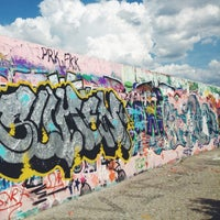 Das Foto wurde bei Mauerpark von Jenny S. am 7/1/2013 aufgenommen