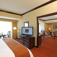Foto tomada en Hotel Clarion Suites Guatemala City por Hotel Clarion S. el 9/4/2013