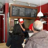 Foto diambil di Burger Shoppe oleh Jason H. pada 4/25/2013