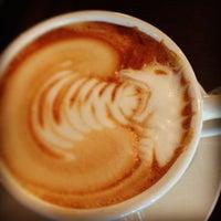 8/23/2013에 Dan B.님이 Cafe Mox에서 찍은 사진