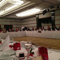 2/11/2013 tarihinde Ozgur Ozi A.ziyaretçi tarafından Niza Park Otel'de çekilen fotoğraf