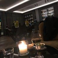 3/5/2018 tarihinde Habib L.ziyaretçi tarafından Hotel Arts Ritz Club Lounge'de çekilen fotoğraf