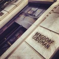 Снимок сделан в Bergdorf Goodman пользователем Mouza 10/12/2013