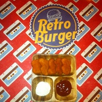 3/12/2013 tarihinde Emre K.ziyaretçi tarafından Retro Burger'de çekilen fotoğraf