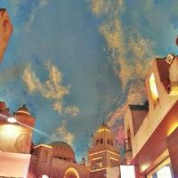รูปภาพถ่ายที่ Miracle Mile Shops โดย Ron R. เมื่อ 9/29/2012