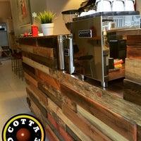 Das Foto wurde bei Cotta Coffee von Gunes O. am 9/17/2016 aufgenommen