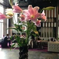 Photo prise au 11 Mirrors Design Hotel par Veronika S. le10/8/2013
