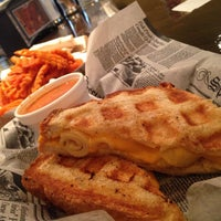 8/16/2013にBennett B.がNew York Grilled Cheese Co.で撮った写真