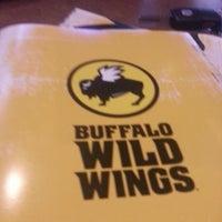 Foto tomada en Buffalo Wild Wings por Robert K. el 11/29/2012