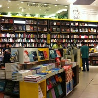 9/16/2012 tarihinde San C.ziyaretçi tarafından Saraiva MegaStore'de çekilen fotoğraf