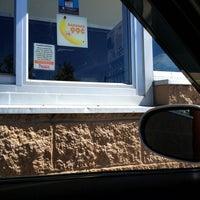 9/6/2013 tarihinde Britt G.ziyaretçi tarafından Dunkin Donuts'de çekilen fotoğraf