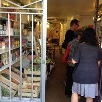 Das Foto wurde bei Rose Bakery von Masaru O. am 7/7/2013 aufgenommen